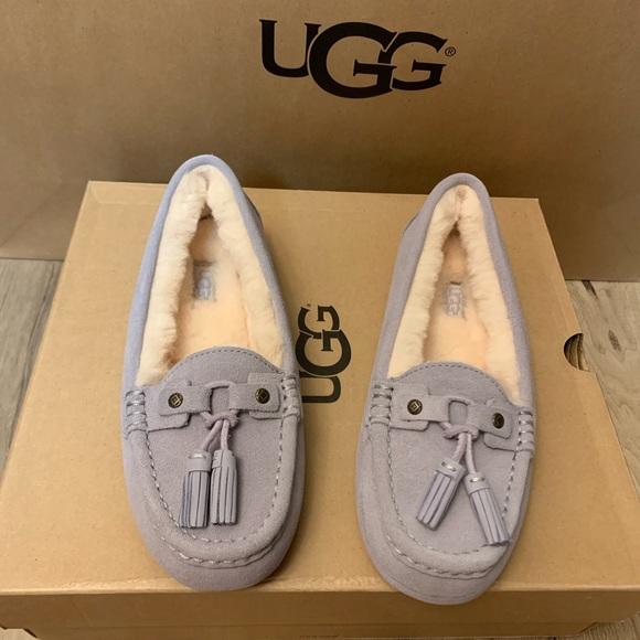 55432b813d4 NIB UGG Women's Litney Fea Moccasin Slippers NWT